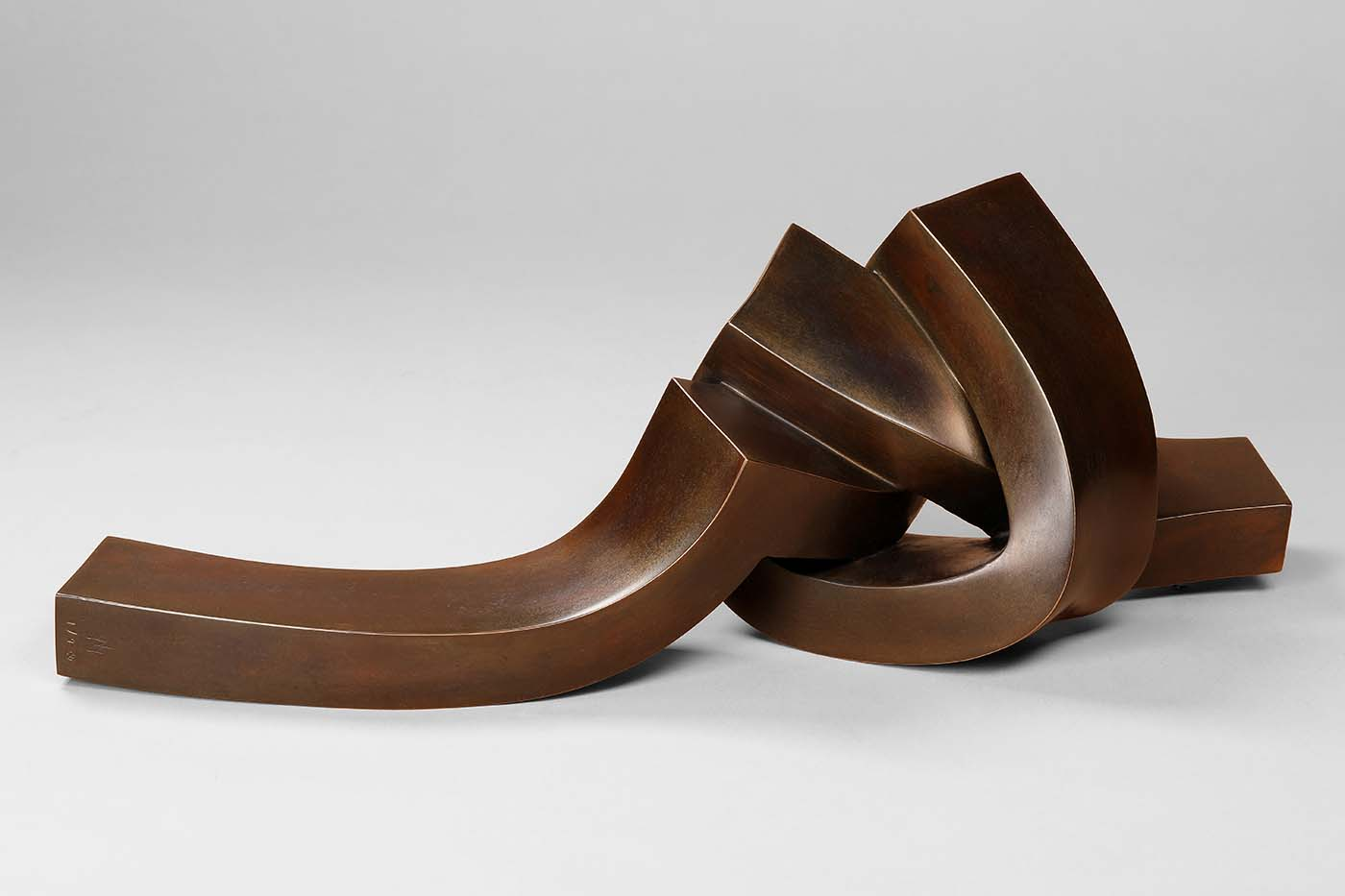 Gordius, 2019, Bronze, 16 x 15 x 40 cm, (1).jpg