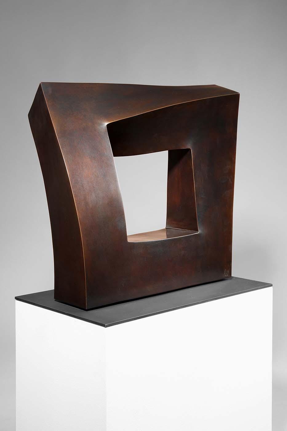 Kontinuität, 2010, Bronze, ca. 40 x 40 x 10 cm (01)