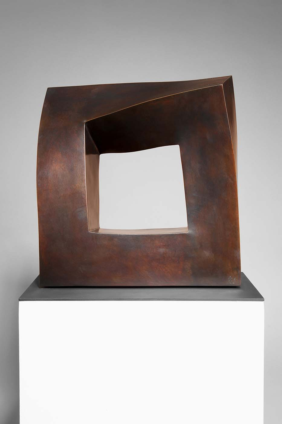 Kontinuität, 2010, Bronze, ca. 40 x 40 x 10 cm (02)