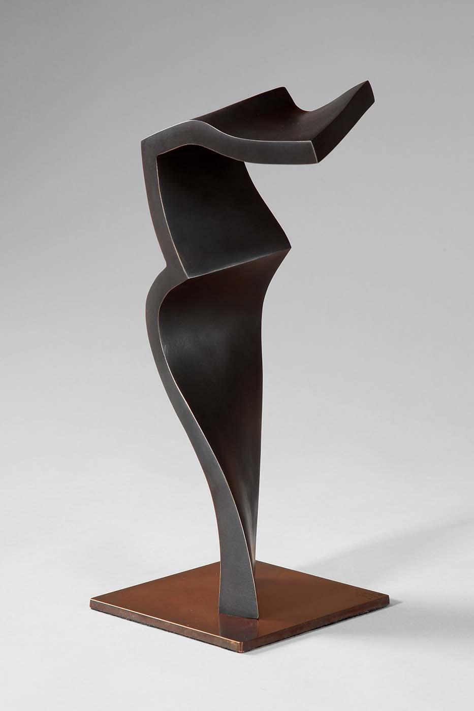 Pianist, 2012, Bronze, 30 x 14 x 12 cm (02)
