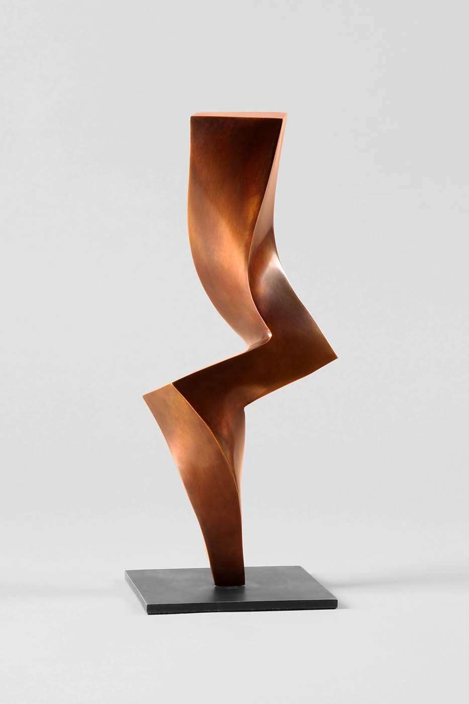 Tänzerin, 2013, Bronze, 30 x 12 x 6 cm (2)