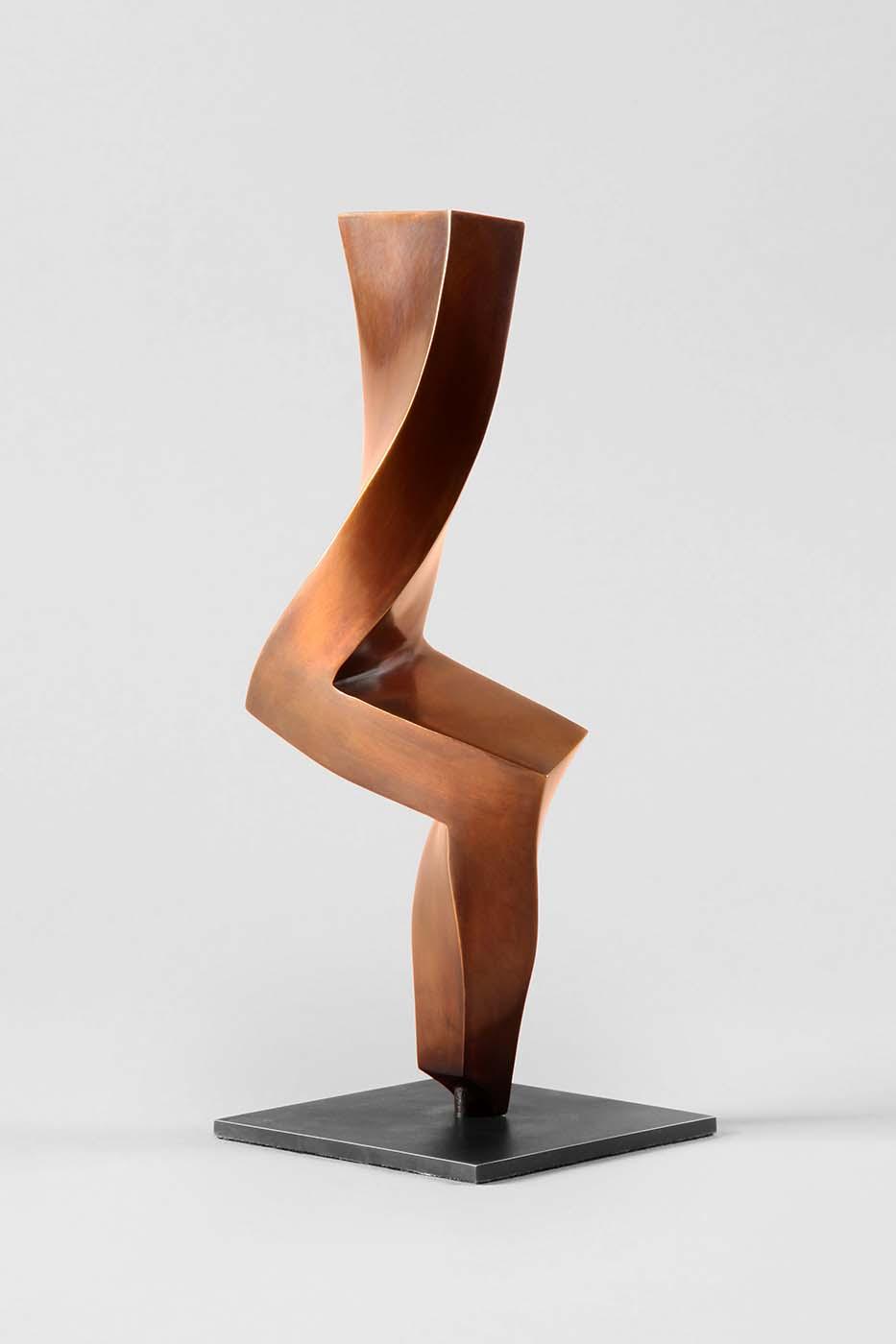 Tänzerin, 2013, Bronze, 30 x 12 x 6 cm